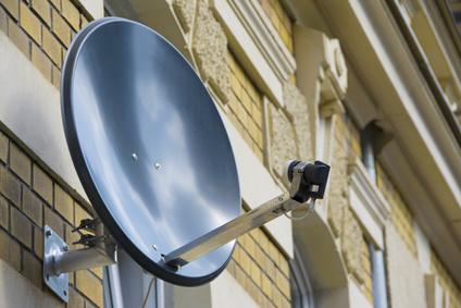 Was benötige ich als Hardware für DSL über Satellit?