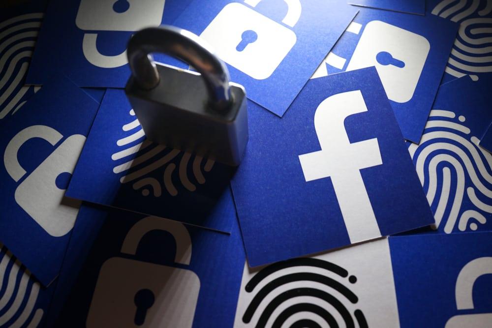 Datenkrake Facebook: Das Social-Netzwerk weiß mit wer mit wem telefoniert hat